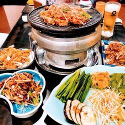 日本初登場の『北京式鉄板焼き肉』を開店記念特別価格として食べ放題でご提供!