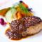 神戸牛の食感から香り、味わいまでをギューっと閉じ込めた『プレミアムハンバーグ』