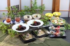 にんにんお得意の創作和食コースとなっております。飲み放題付きは<5,000円税込み>となります