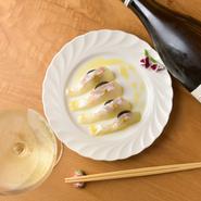 ワイン好きなカップルにとって【jeune】での時間は、会話が尽きない幸せなひととき。お気に入りの料理とワインの組み合わせがきっと見つかります。