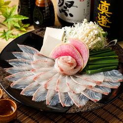 最先端調理法で低温調理で肉の最高の旨味を引き出したお肉のお寿司や超希少大トロホルモンの唐揚げなど♪