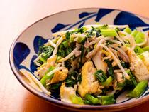 本格的な沖縄の家庭料理がバリエーション豊富