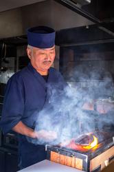 本格的な和食と共にステーキを味わう肉割烹スタイル。 備長炭で職人が丁寧に焼き上げる国産牛サーロイン