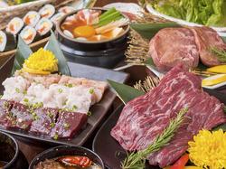 旬野菜を使ったおつまみをはじめ、特選ロースや上ミノなど全13品で構成されたコース。宴会、飲み会にも◎