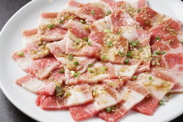 ホルモン・カルビ・豚・鶏・野菜まで17種類が食べ放題!飲み放題も約70種類!各種お集まりに最適!