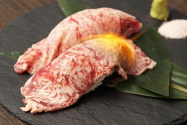 和牛サーロインの炙り肉寿司