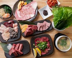 人気の上塩タンや、ハラミに加え上質ヘレ肉もガッツリ厚切りの肉好きさんも納得のコース