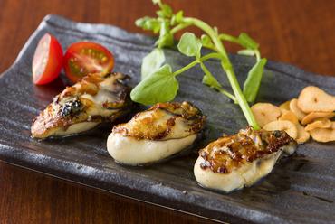 数量限定の貴重な一皿、宮城県産の新鮮な牡蠣を使った『かきのバター焼き』