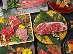 ロースやカルビなど、定番のお肉と和牛の希少部位が2種類食べられる充実の定番コースです!