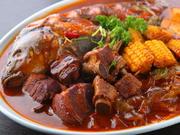 新鮮な魚とスペアリブの2大メイン食材を使用した延辺の定番料理である田舎風煮込み。ボリュームもあり見た目もお腹も満足できる料理です。しっかりとした味付けで食がすすみます。