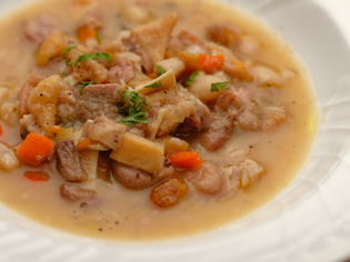 コクのある食材同士が引き立て合う郷土料理『トフェイヤ』