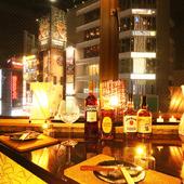 落ち着いた雰囲気の中で、大人の夜景個室デートを楽しむ♪