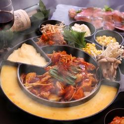 今話題のチーズタッカルビがなんと900円!飲み会や宴会、女子会などにお手軽楽しめます