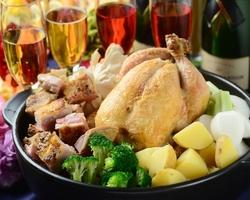 チキンブイヨンでコトコト煮込み、ほどけるような食感まで煮込んだコースです。ジェラート食べ放題♪♪