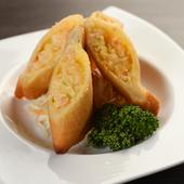 海老の食感を残しつつも口当たりのいい餡とカリッと揚げたパンがマッチする『成龍軒特製 海老パン』