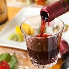 女将セレクト!日本各地から集めた、こだわりワイン付の贅沢なコース。驚くほどワインに合うお料理と共に。
