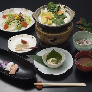 【極上の大豆福岡産】白い貴婦人 豆腐懐石 5500円