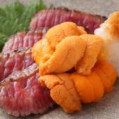 牛肉とウニが最高の組み合わせ。贅沢な味を堪能できる『黒毛和牛あぶりウニのせ』
