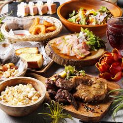 本日のおすすめお肉2種盛り合わせや、シーザーサラダなどバランスのとれた7品