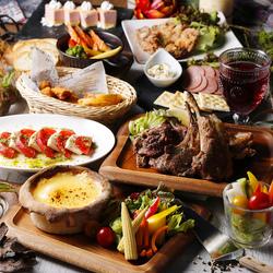 当店自慢の創作料理が満載! ローストビーフのシーザーサラダや肉3種盛りなど大満足9品