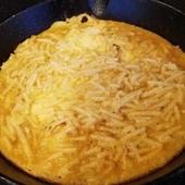 トロトロのチーズとジューシーな牛肉が抜群の組み合わせ『グリルハンバーグ』