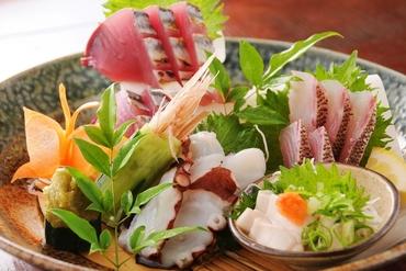 飲み放題付きのご宴会コースは4000円~ご予約受付中です。
