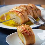 後からピリッ!がクセになるトマトの酸味が爽やかな一番人気の『チリカルボナーラ』