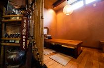 カウンターから小上がりの席や個室まで、多彩なシーンで利用可能