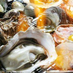 クーポンご利用で5500円⇒5000円! 海鮮浜焼き《ホタテ、蛤、海老》各1個付き♪ 牡蠣も食べ放題!