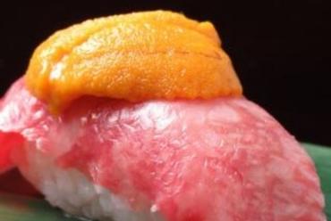 濃厚なウニがたまらない!天草の王宮料理『うにく寿司』