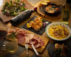 ワインに合う料理をコンセプトとした絶品飲み放題付きコース。