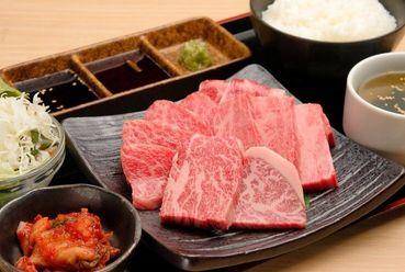 4等級以上の黒毛和牛を味わえる『JUN焼肉定食(約120g)』