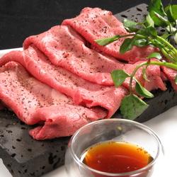 2H飲み放付(ビールはプレモル)和牛焼寿司、ローストビーフ、鶏もも肉、牛ハンバーグ、デザート等8品付き