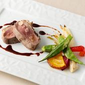 【季節限定】しっとり柔らかい『フランス産シャラン鴨肉のロースト マルサラ酒のソース』