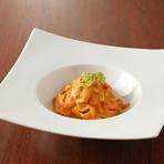 ズワイ蟹のトマトクリームソース 蟹味噌風味タリアテッレ
