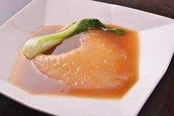 気仙沼産の最高級フカヒレがリーズナブルに味わえるコース