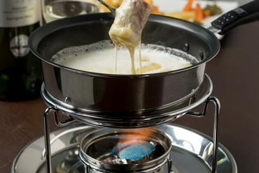 生クリーム加え、チーズがよりクリーミー『チーズフォンデュ』※2組限定