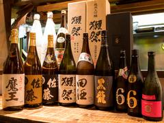 コースをご注文のお客様限定で、各コースに+2000円で飲み放題をお付けすることができます。