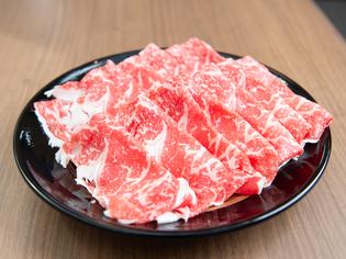 味のバランスから、計算された薄さの『肉』