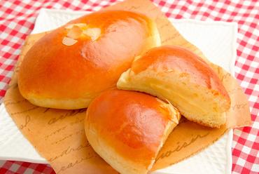 一番人気の看板メニュー『クリームパン』