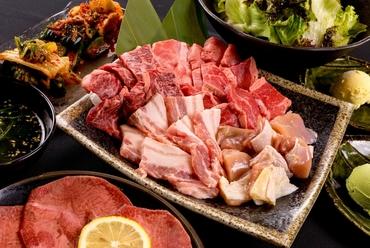 ボリュームたっぷり!しっかりお肉を食べたいときは、全11品の『銀座コース』がオススメ