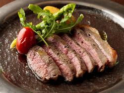 旬の食材を贅沢にご提供!メインに牛フィレステーキがついたフルコースです。