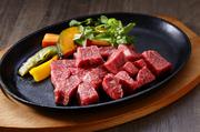 「大黒千牛」赤身肉の希少部位を使用した、直営店だから出せるサイコロステーキ。肉そのものの食感を存分に味わいたいかたには、赤身肉がおすすめです。