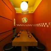 広島県民たちの、地元愛がギュギュッと詰まったテーブル席