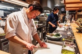 お客様に喜んでもらうため、料理と真摯に向き合う