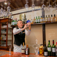 お客様に喜んでもらえることが何よりの喜びだと、一人ひとりに合わせたきめ細やかな対応を心がけているのだそう。嗜好を把握し、その時にしか出会えない一杯を提供しています。