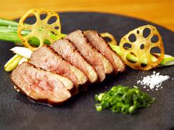 全5品 メイン料理が2種ついた豪華なプランです。 +1500円(飲み放題90分)+2000円(飲み放題120分)