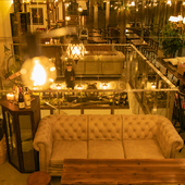予約必須!人気のソファー席はデート、女子会、誕生日などに♪