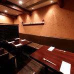 ミシュランで星を獲得し続ける【翁】は、大切な接待にも最適。上質な料理とお酒、気配りのある接客がゲストの心をつかみます。静かな個室のほか、中島氏の技が見られるカウンター席も喜ばれます。