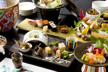 全国の旬の食材を贅沢に盛り込んだ『コース料理』